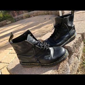 Vintage Dr. Martens (doc martens) combat boots